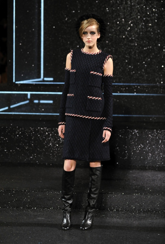 Chanel Haute Couture Fall Winter 2011 Collection 15