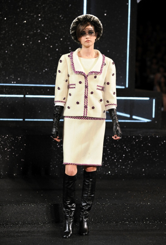 Chanel Haute Couture Fall Winter 2011 Collection 20