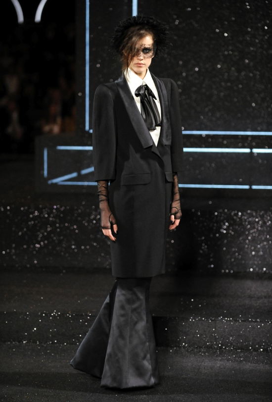 Chanel Haute Couture Fall Winter 2011 Collection 32