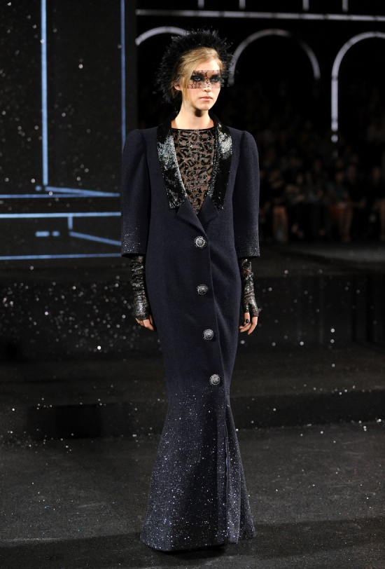 Chanel Haute Couture Fall Winter 2011 Collection 34