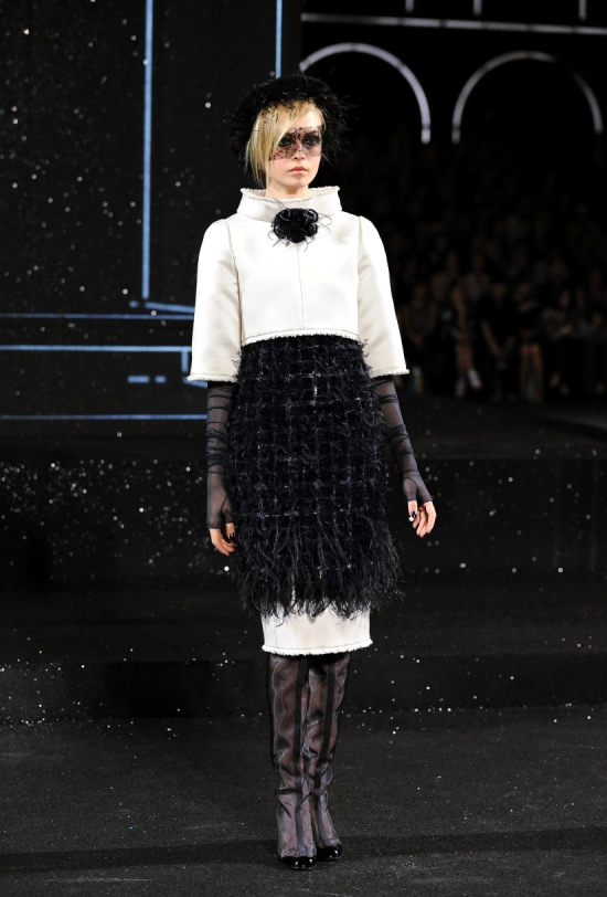 Chanel Haute Couture Fall Winter 2011 Collection 36