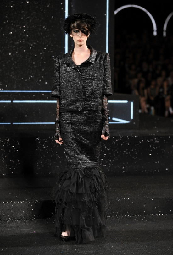 Chanel Haute Couture Fall Winter 2011 Collection 54