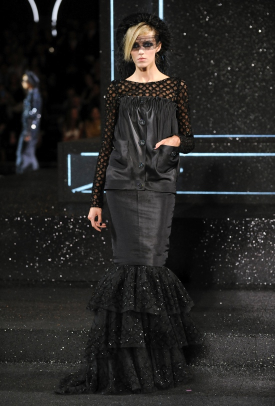 Chanel Haute Couture Fall Winter 2011 Collection 55