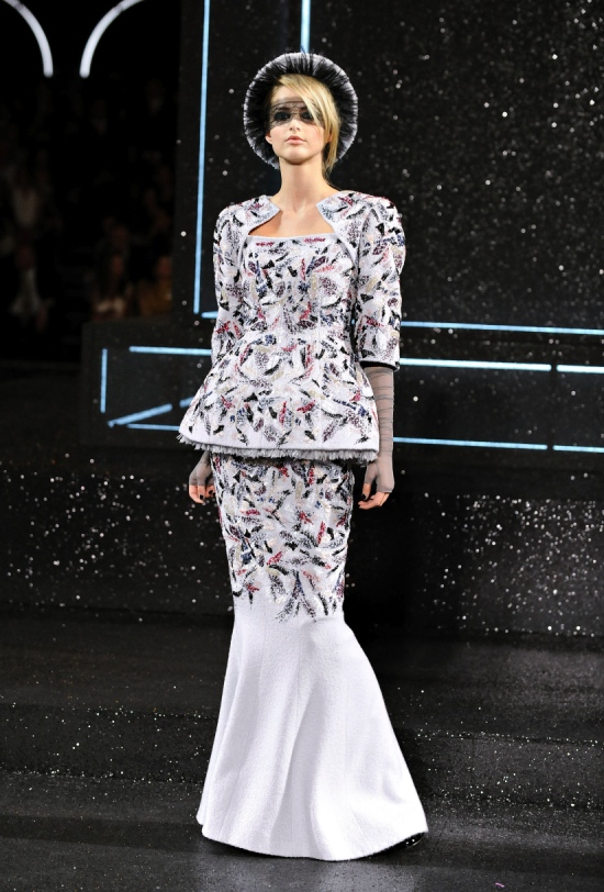Chanel Haute Couture Fall Winter 2011 Collection 56