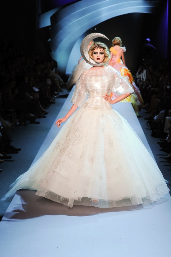 Dior Haute Couture Fall Winter 2011 Collection 34