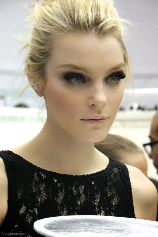 http://stylerumor.com/wp-content/uploads/2011/10/Louis-Vuitton-Spring-Summer-2012-Backstage-5.jpg