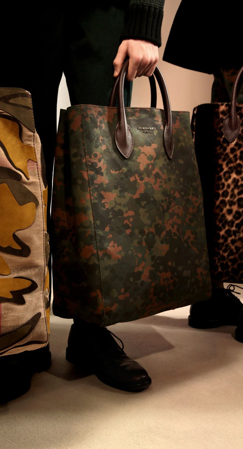Backstage at the Burberry Prorsum Fall 2015 Show 17