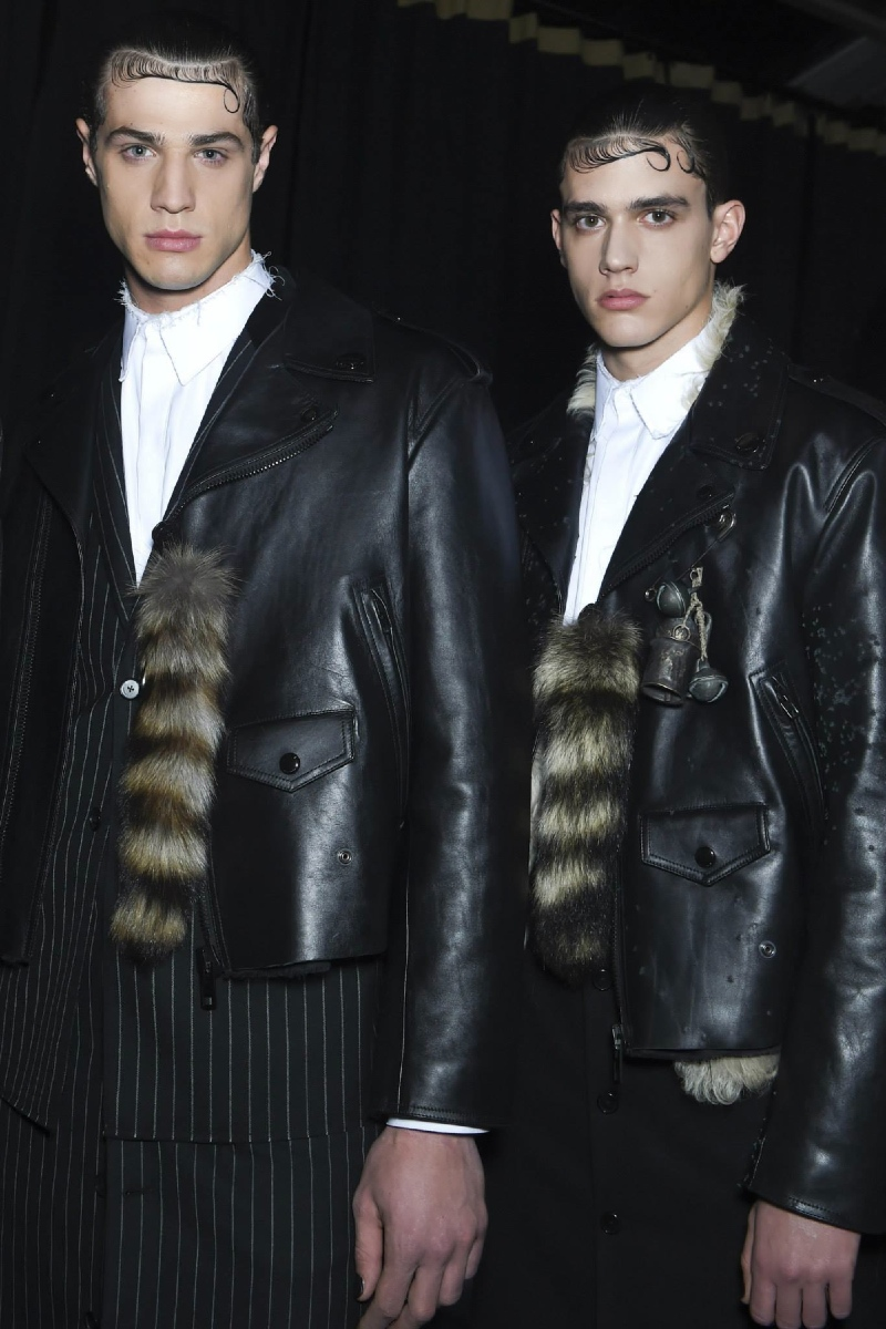 Backstage at the <b>Givenchy</b> Menswear Fall 2015 Show 1&#8243; width=&#8221;800&#8243; height=&#8221;1200&#8243; /></p> <p ><img class=