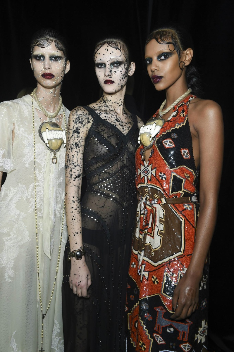 Backstage at the Givenchy Menswear Fall 2015 Show 20